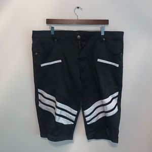 Diamond Stash Black & White Striped Shorts size 40